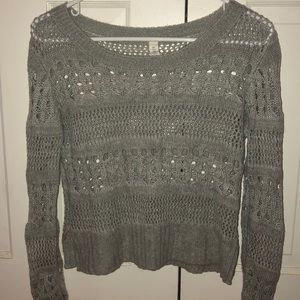 Cropped light grey sweater